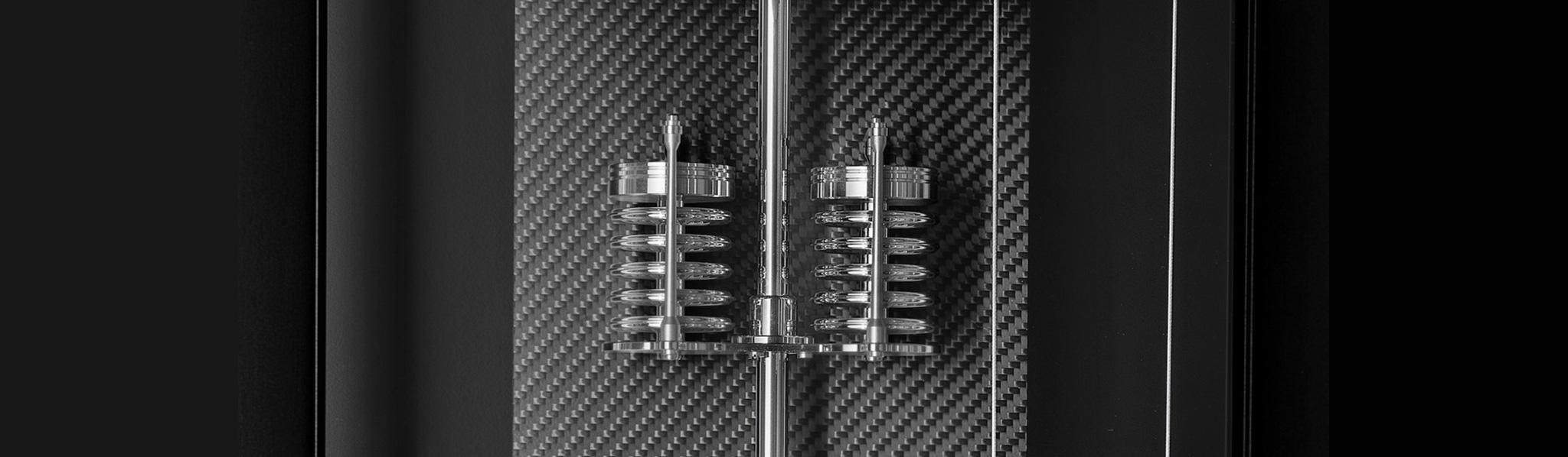 Neuheit! Mechanica M1 Carbon - limitiert auf 50 Stück - Mit exklusiver Sonderausstattung! Detail: Perlmuttmond